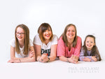Load image into Gallery viewer, Studio Photo Shoot - Group/Family