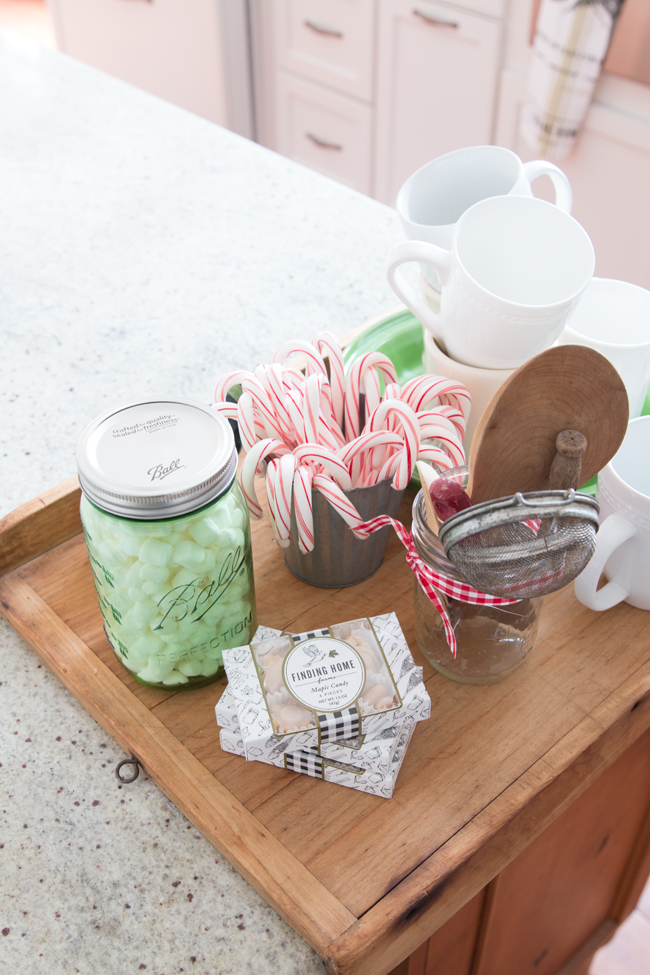 candy-cane-hot-cocoa-station