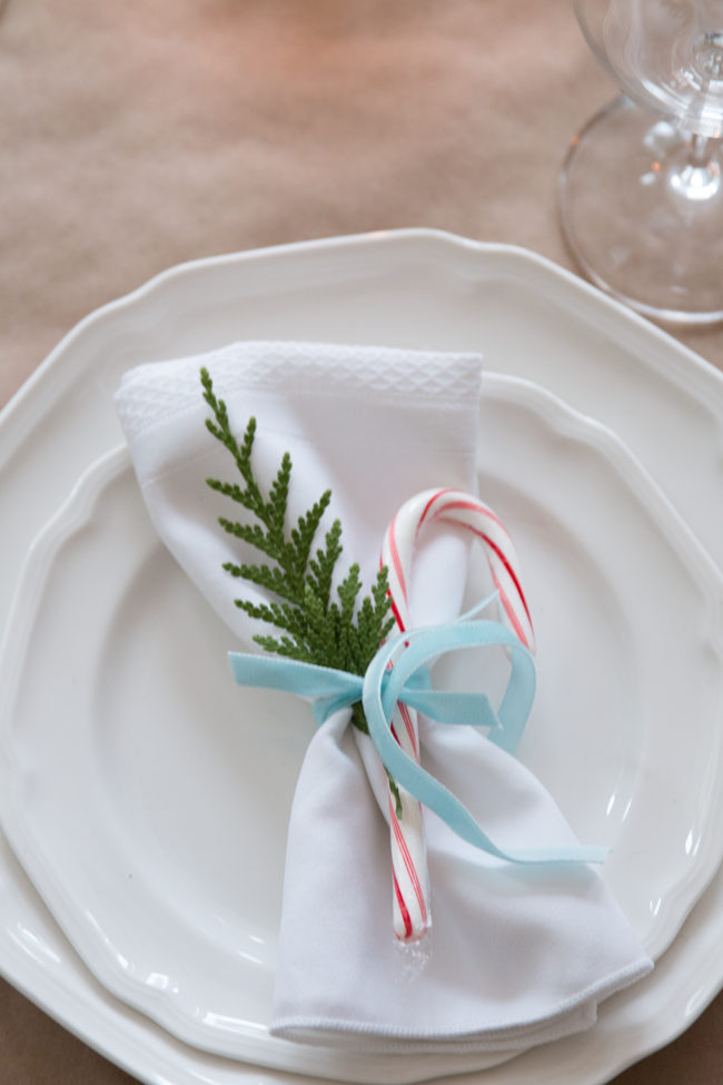 candy-cane-place-setting