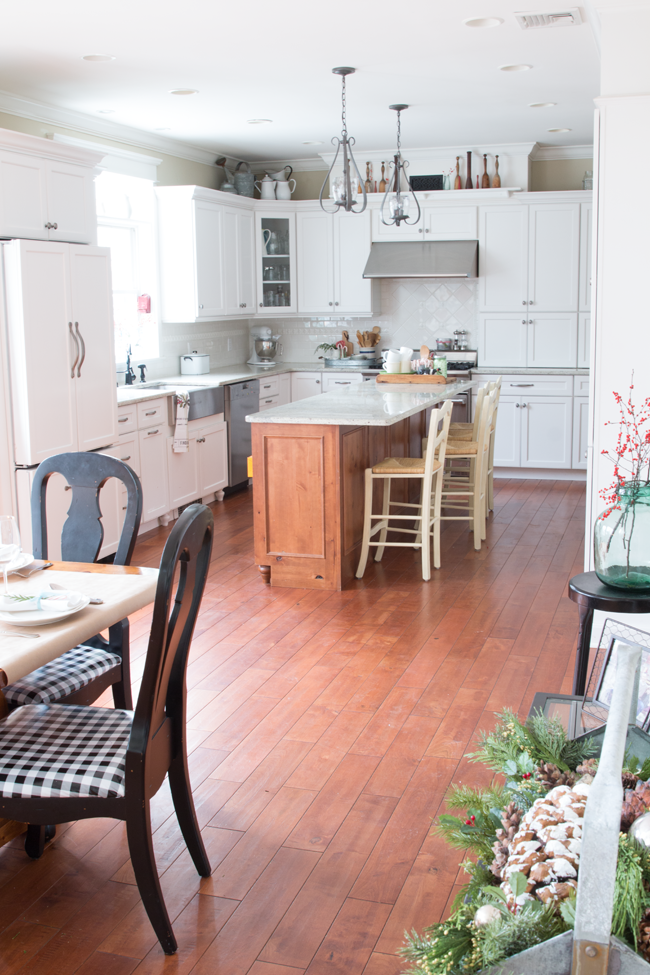 christmas-kitchen-finding-home-farms