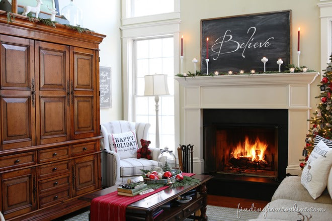 Christmas-Family-Room-Decorating