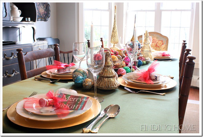 Christmas Table Dining - Vintage Ornaments 023