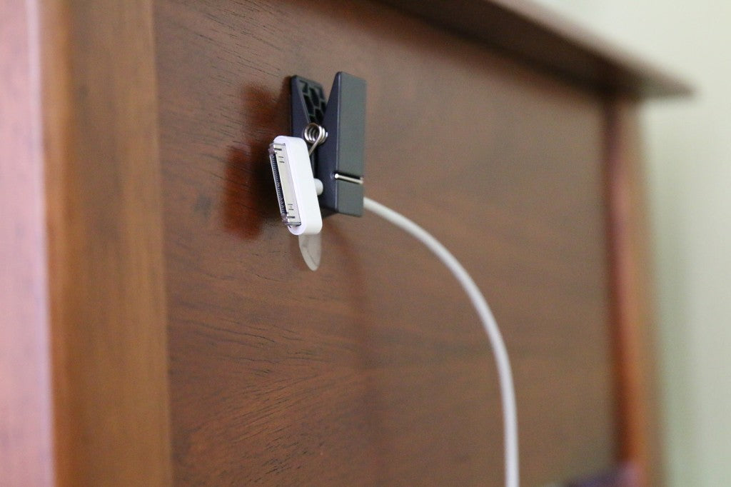 Easiest-way-to-tame-phone-cords
