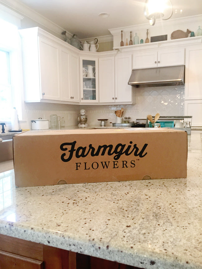 Farmgirl-Flowers-Delivery-Box