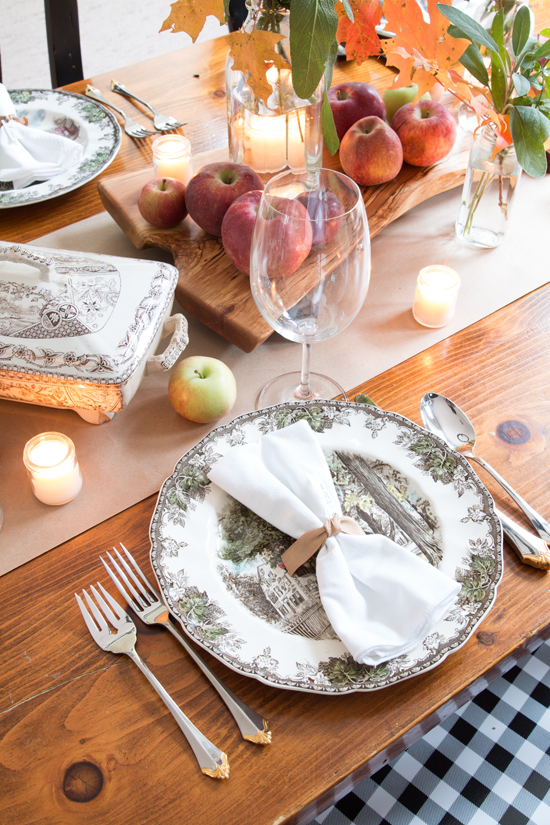 friendly-village-thanksgiving-table