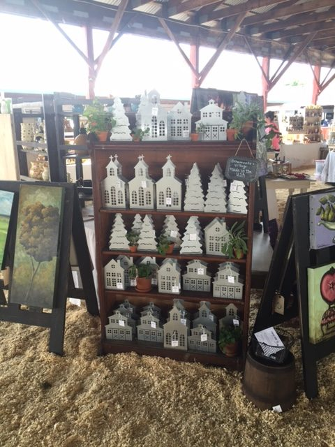 Finding-home-farms-country-living-fair