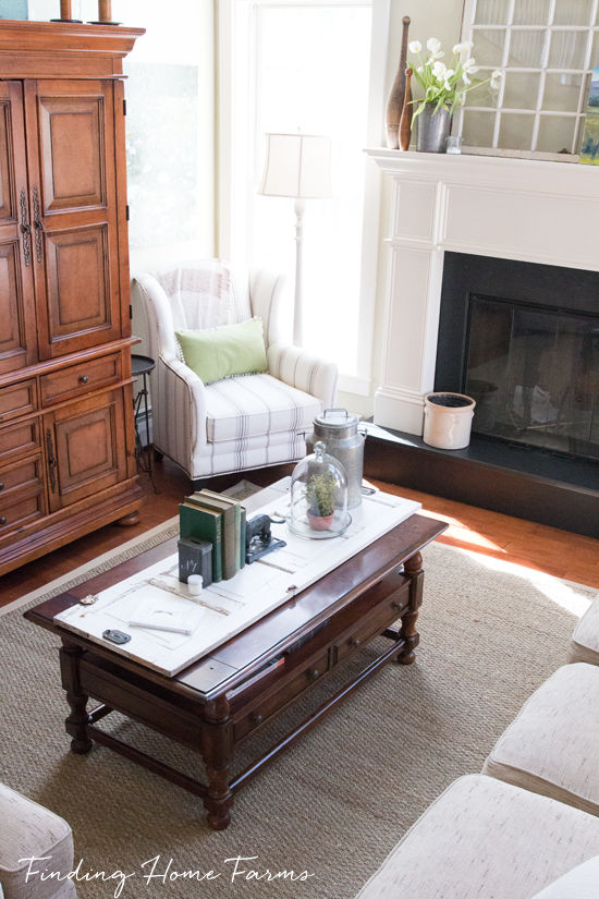 Seagrass-Rug-in-Family-Room