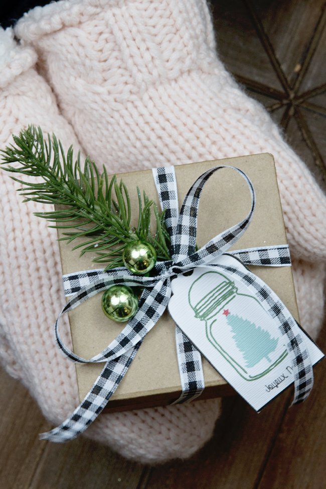 simple-holiday-gift-wrapping_edited-1