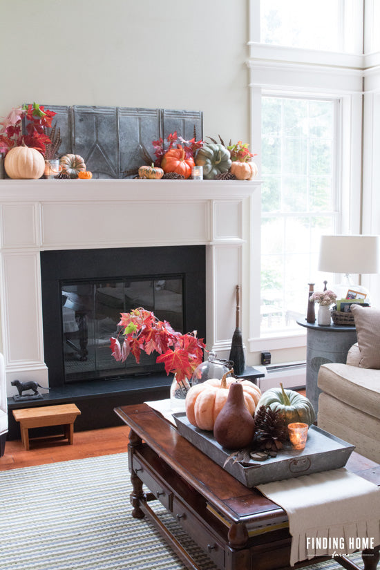 Traditional-Fall-Decorating