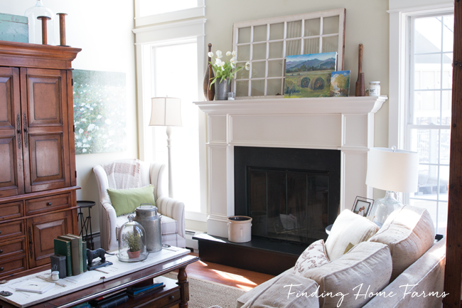 Tradtional-Family-Room-Spring_edited-1