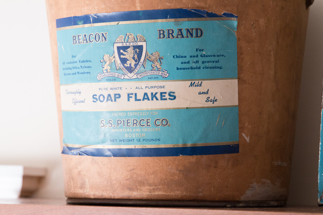 Vintage-Laundry-Container
