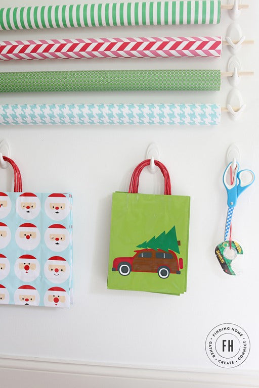 Wrapping-Station-for-your-Wall