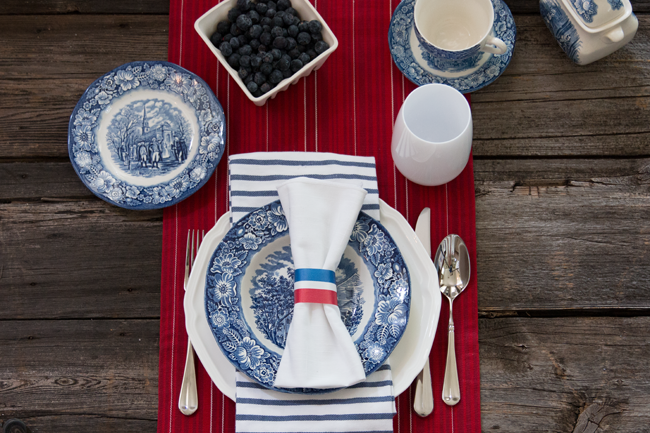fourth-of-july-table-setting