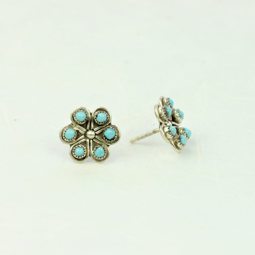 Turquoise Flower Earrings - Zuni Artist Made -Coco and Duckie