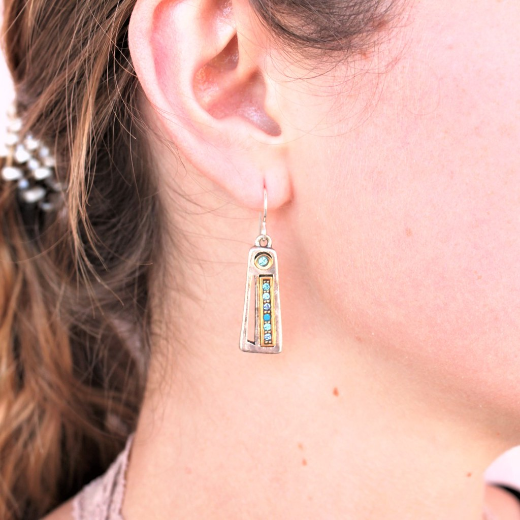 women wearing Patricia Locke Thick & Thin Earrings in Silver, Bermuda - cocoandduckie.com