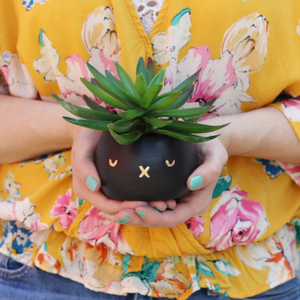 Bunnie Kitty Planter | Black
