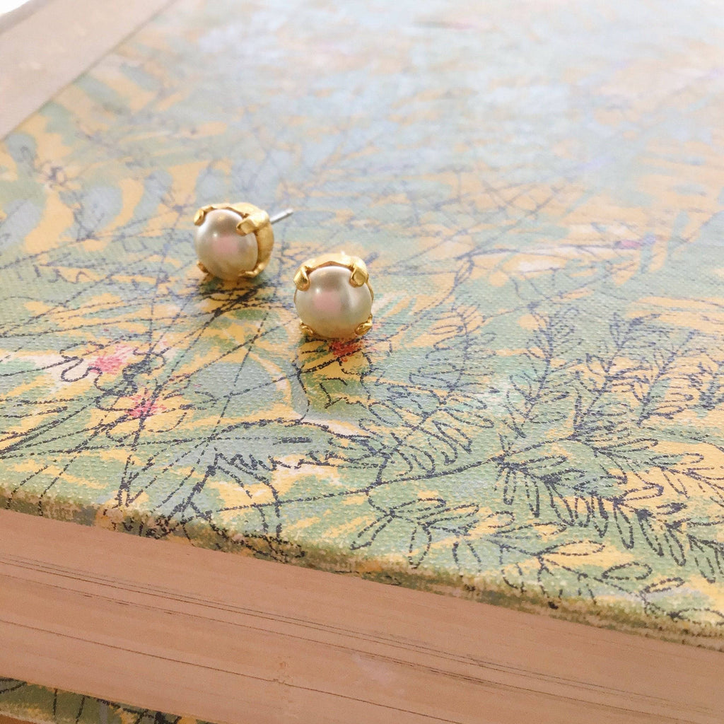 Grace Pearl Studs | Gold - Grayling - Coco and Duckie