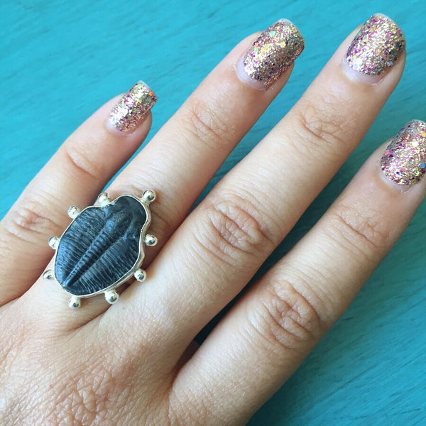 Trilobite Fossil Ring - Beaded Border Sterling Silver 925 - Size 5
