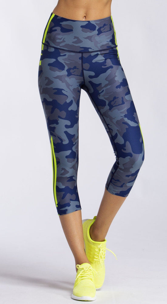 Load image into Gallery viewer, Slate Camo High Waist Capri - MAX & ME SPORT