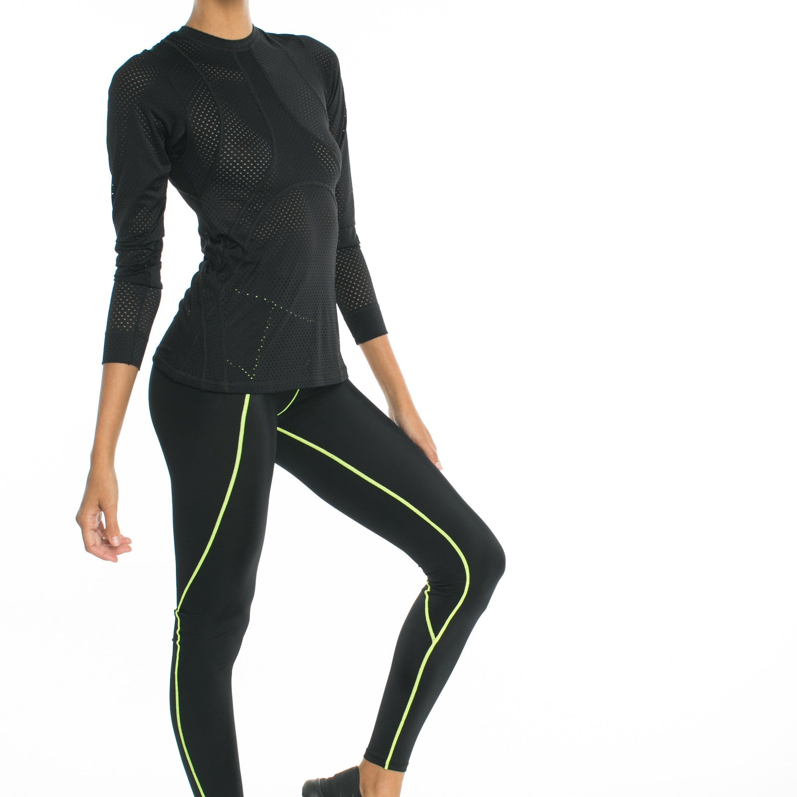 Track Me Down Rash Guard - Black