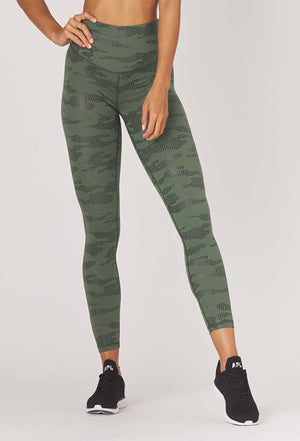 Load image into Gallery viewer, sultry legging - olive star camo - MAX & ME SPORT - Glyder