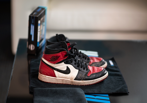 How to Clean Jordan 1 Bred