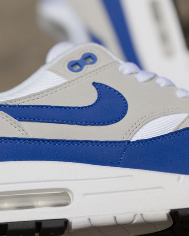 Back in 1987, Tinker Hatfield made the groundbreaking decision to expose  the sneaker's Air Max Cushioning technology. Revolutionizing the sneaker  industry, ...