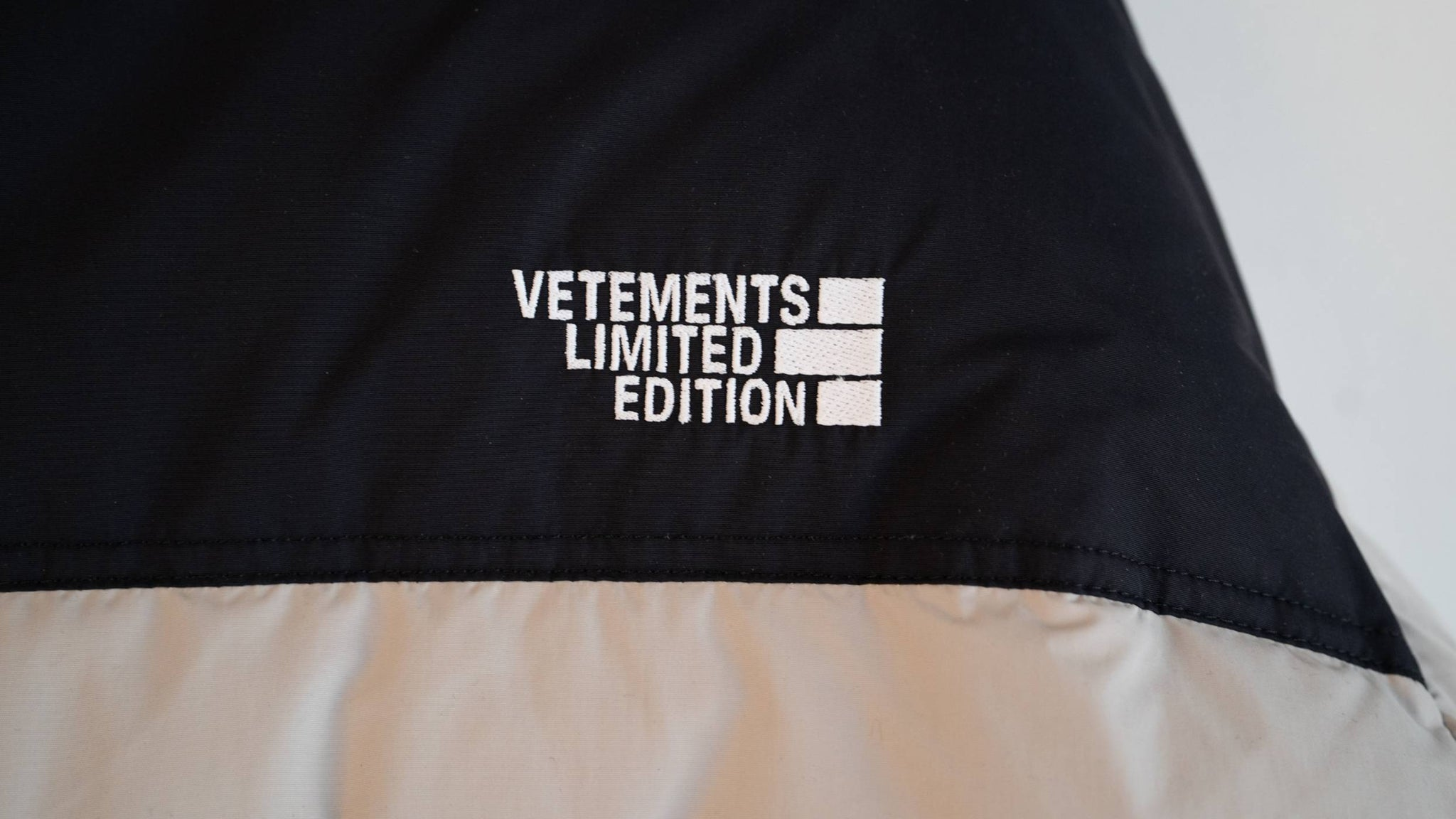 VETEMENTS 2020FW Puffer Jacket / Grey