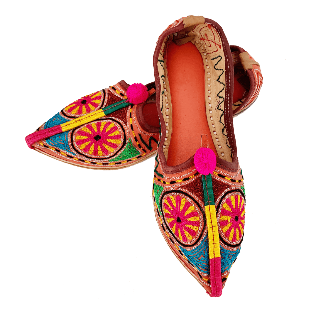 Old Fashioned Online Indian bohemian leather slippers with pink and gold fortune embroidery with pompoms and cushioned footbed