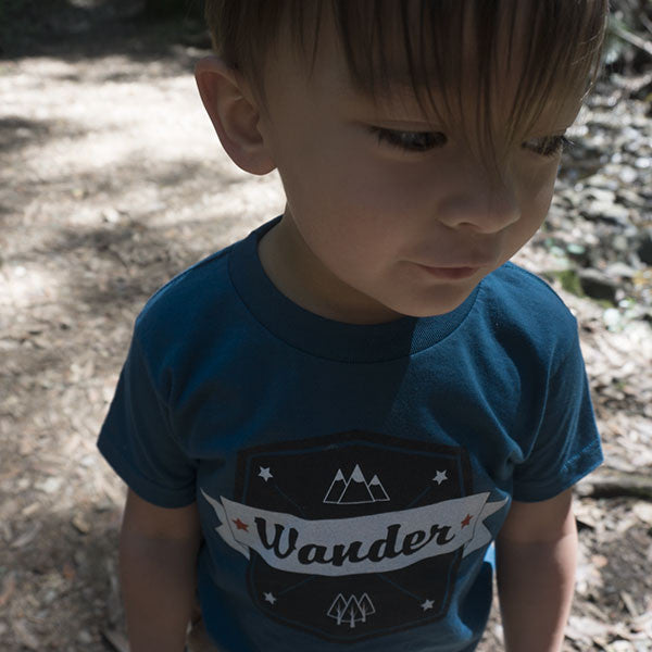 Wander Kids Tee in Ocean Blue & Rose Pink