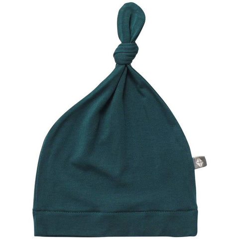KNOTTED CAP IN EMERALD