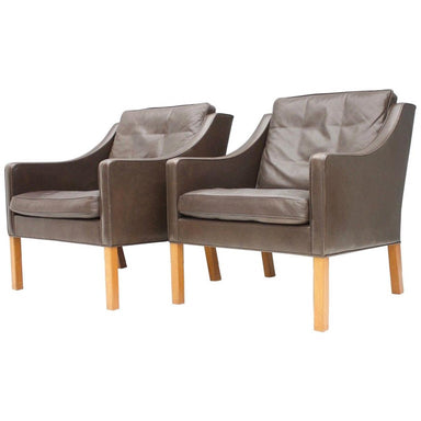Pair of Danish Lounge Chairs by Børge Mogensen in Chocolate Brown Leather, 1960s, 2207, Fredericia, Stolefabrik,