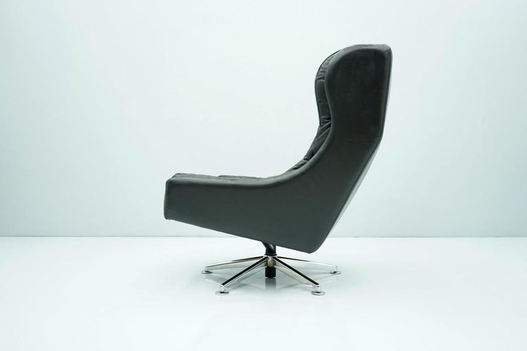 Danish Swivel Lounge Chair in Black Leather, 1960s