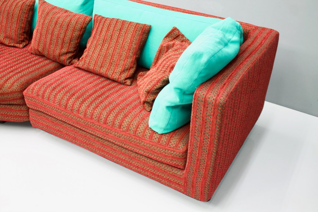 Large Red and Green Sofa 'Sity' by Antonio Citterio B & B Italia, 1986