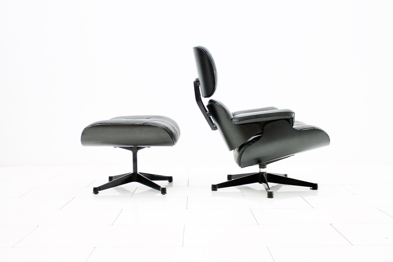 Charles Eames Lounge Chair with Ottoman, Vitra (l)