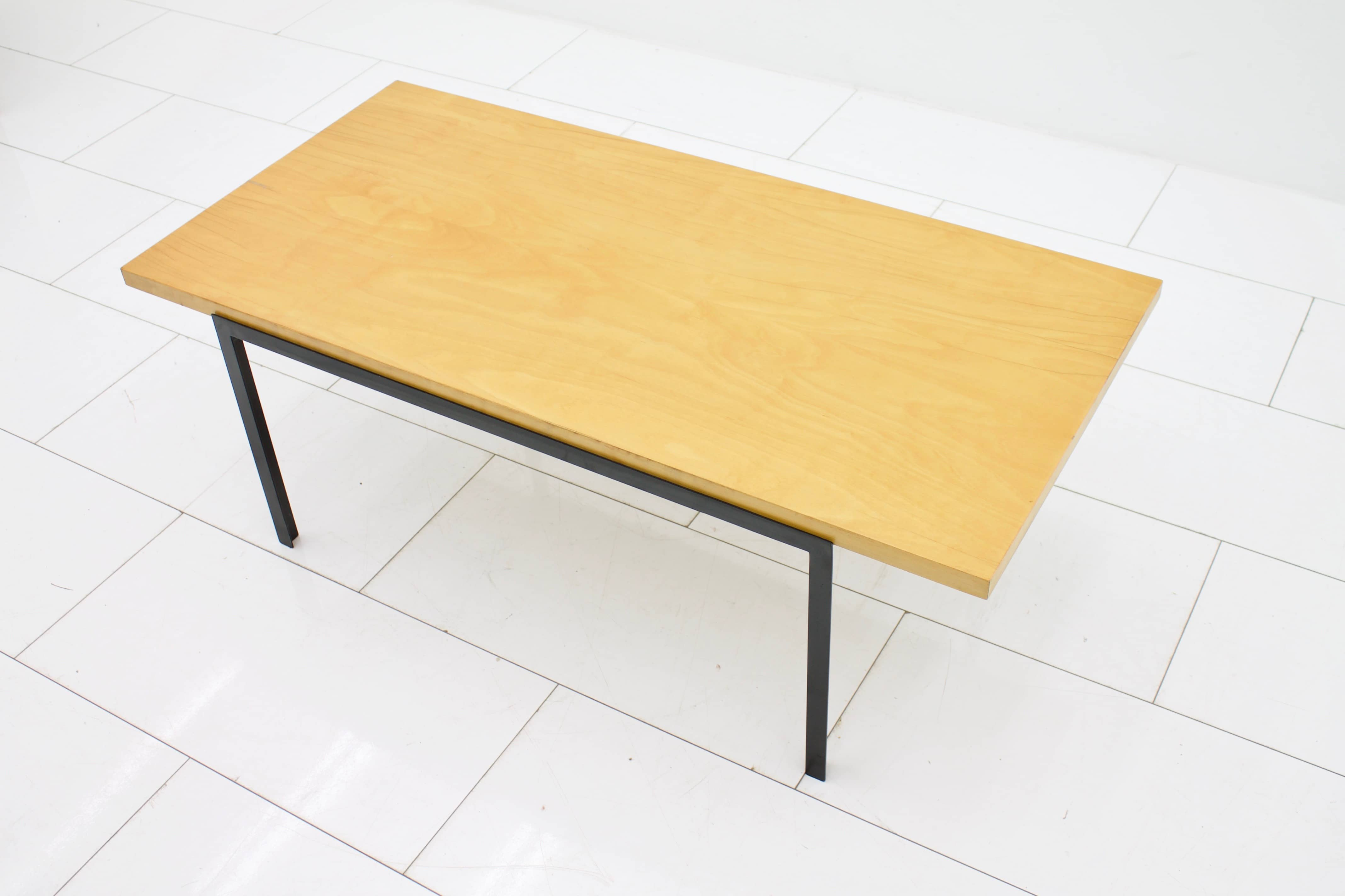 Florence Knoll T-Angel Coffee Table 1953 (t)