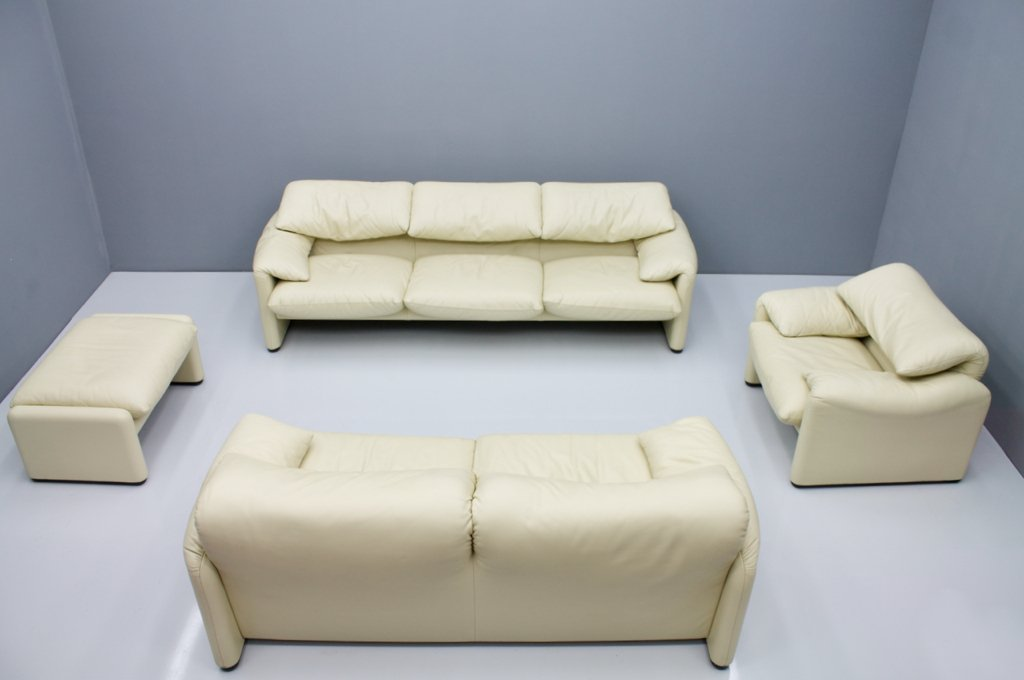 Cream White Leather Lounge Chair Maralunga by Vico Magistretti for Cassina, 1973