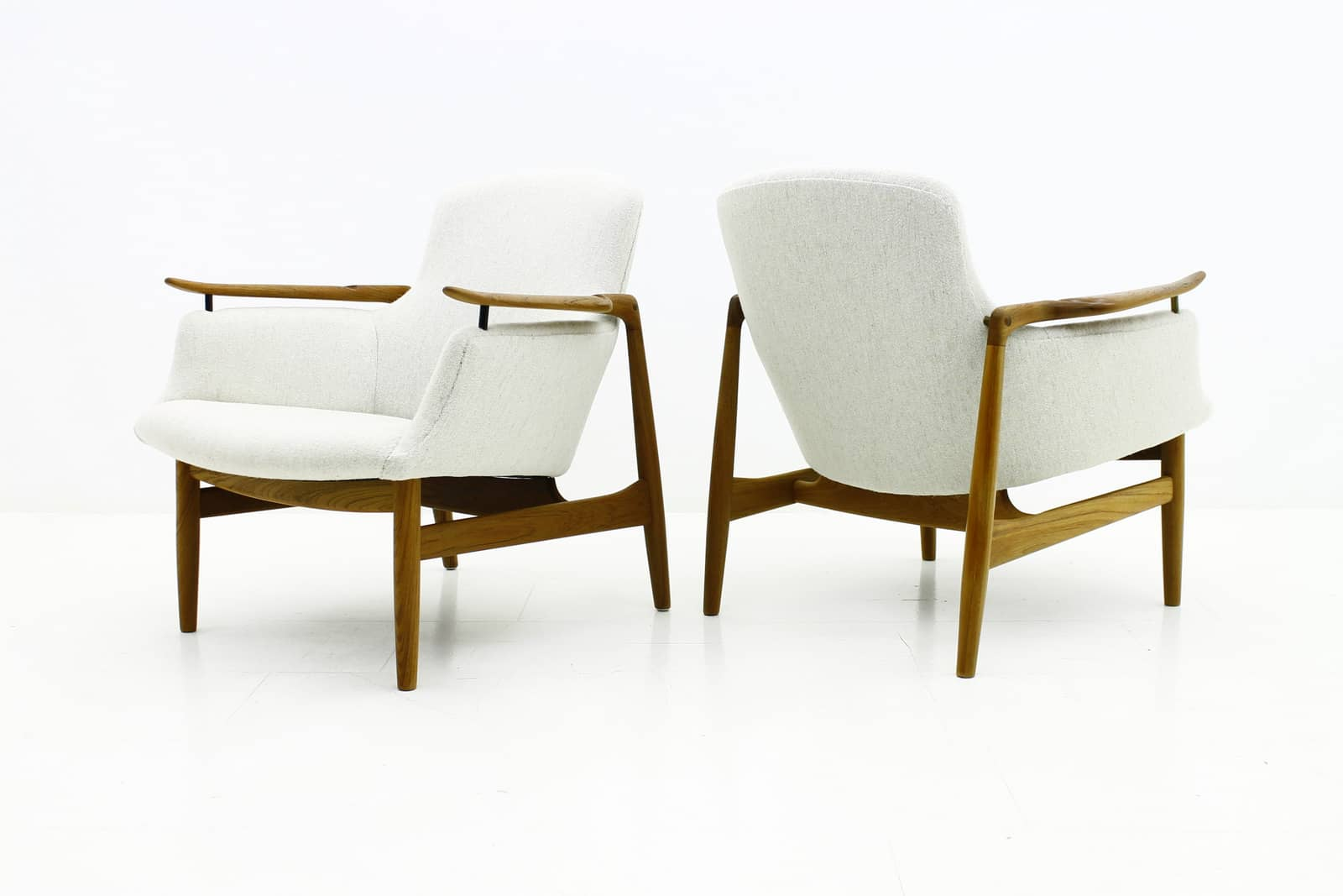 Pair Finn Juhl Lounge Chairs NV 53 for Niels Vodder, 1953
