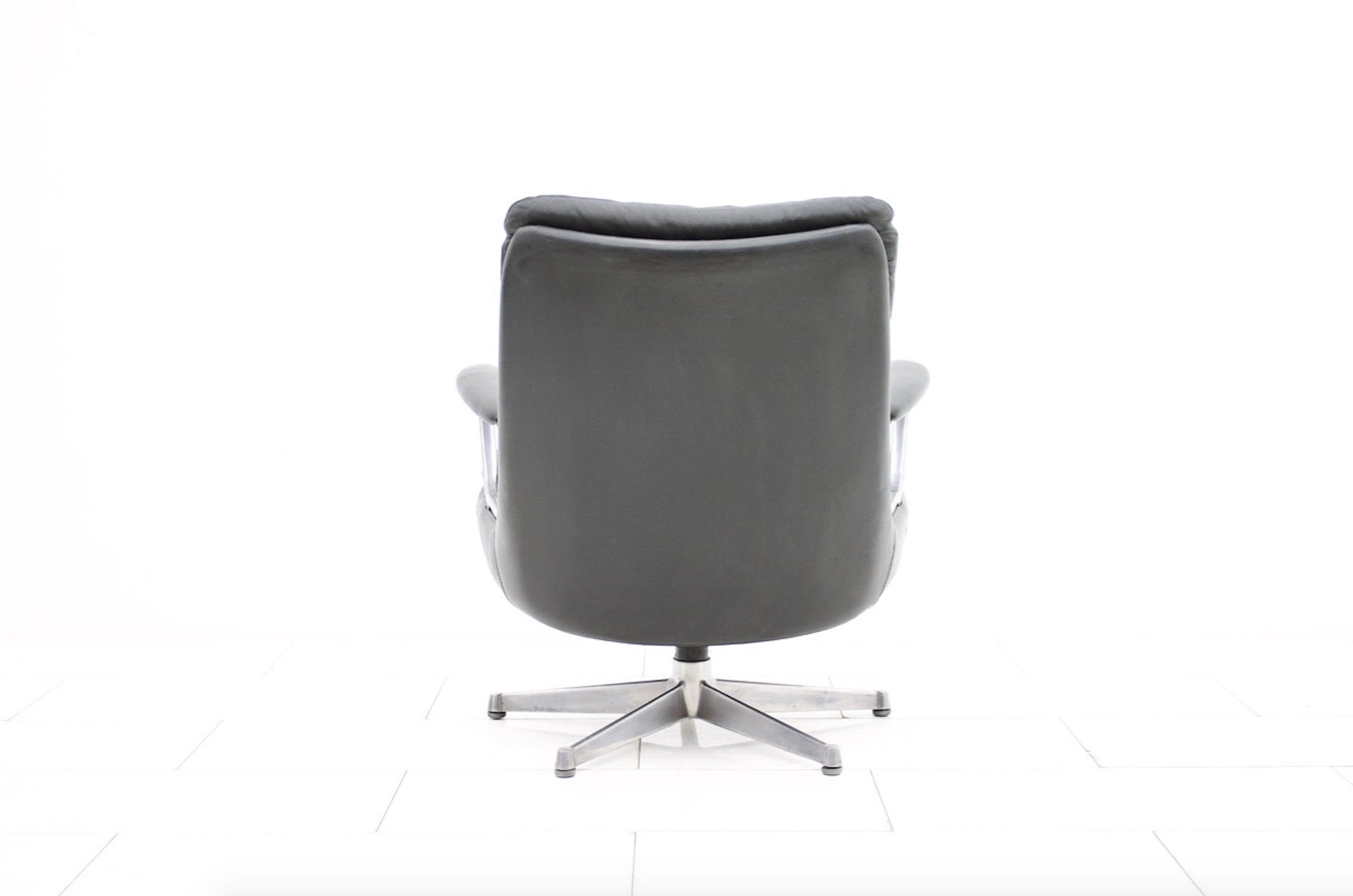Andre Vandenbeuck for Strässle Lounge Chair Gentilina in black Leather