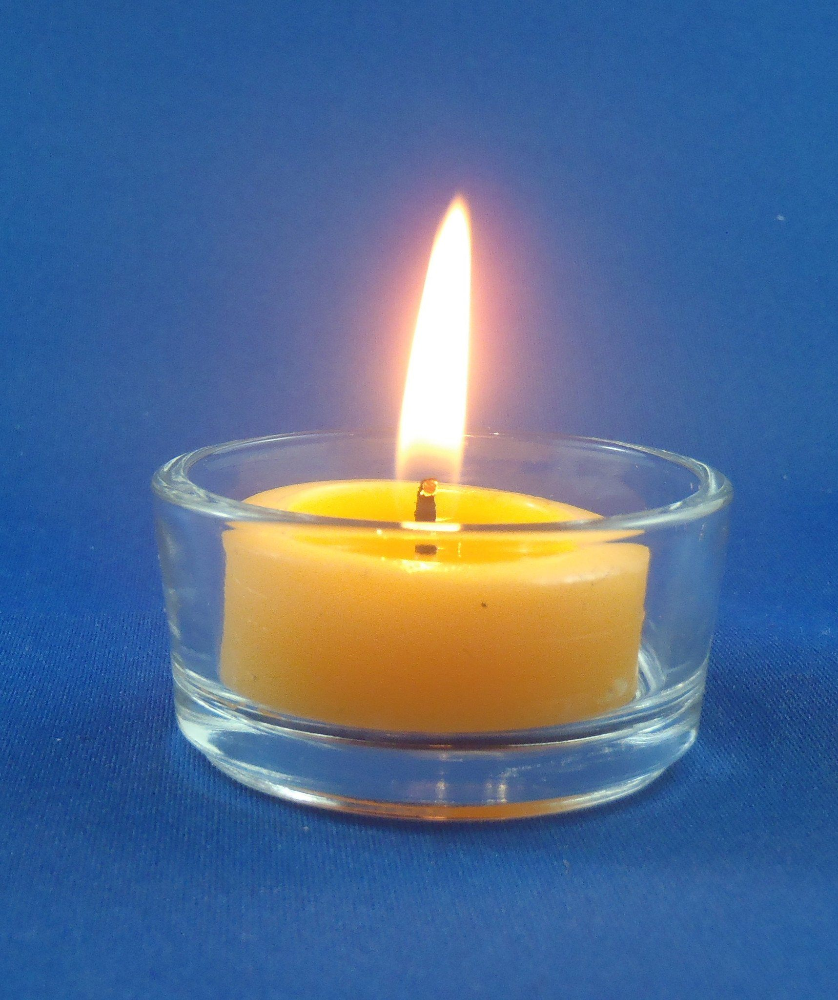 happy flame beeswax tea lights 4 hour beeswax tea light candles hand crafted from australian