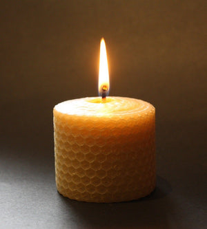 "Happy Flame Honeycomb beeswax candles Certified organic beeswax -""Cosy"" honeycomb candle set. (5.5 x 5cm)"