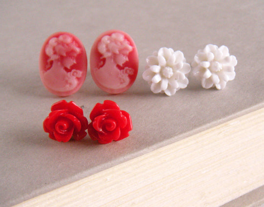 Bloom Stud Set in Red Lady Cameo