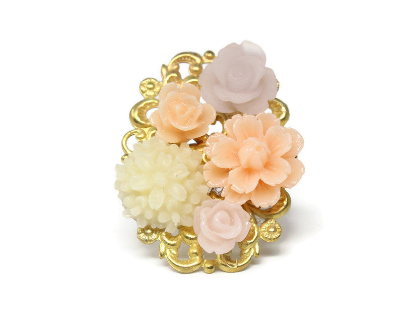 Ring Bouquet in Pale Ivory Melon