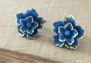 Large Single Bloom Studs in Blue Sakura