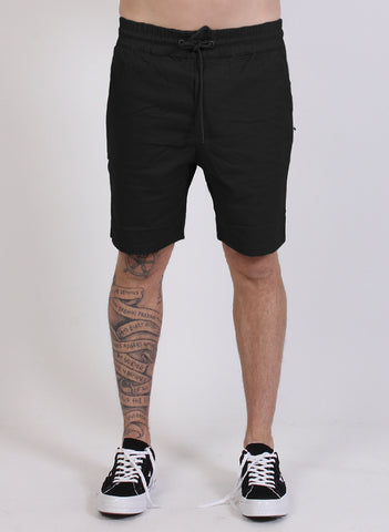 TRAVELLER SHORT BLACK
