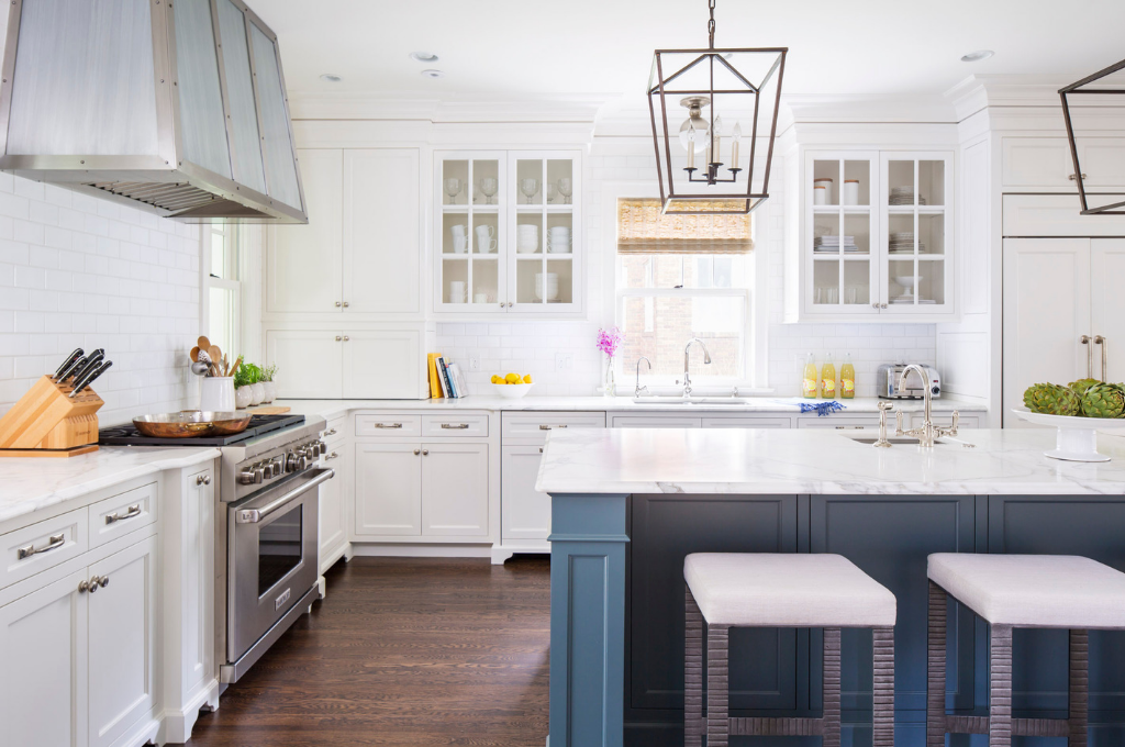 Kitchen design by Martha O'Hara Interiors | Courtesy of Troy Thies Photography