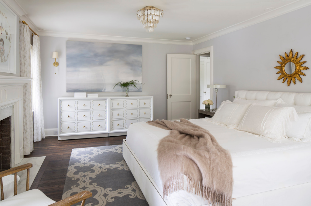 Bedroom design by Martha O'Hara Interiors | Courtesy of Troy Thies Photography