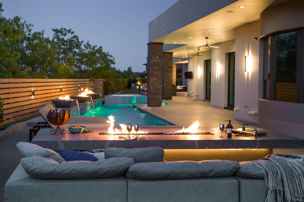 Outdoor Design by Melissa Roche-Amos of Parlor 430