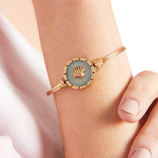 Shell Isla Bangle Bracelet