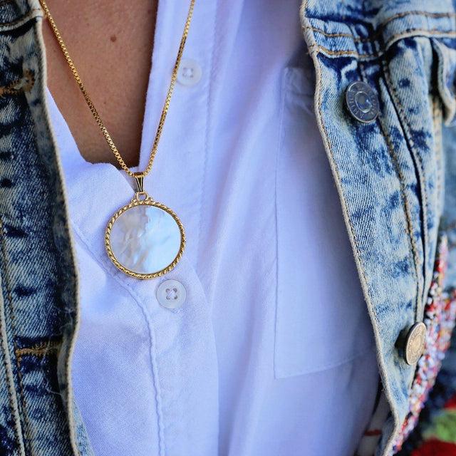 Kelsey Necklace in Mother of Pearl-Necklace-finish:-Luca + Danni